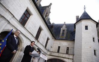 manuel valls premier ministre en r gion centre val de loire le 1er avril 2016 la pr fecture. Black Bedroom Furniture Sets. Home Design Ideas